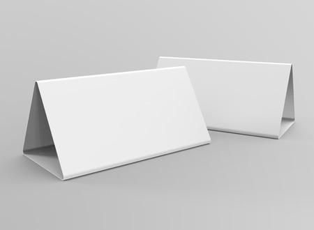 Blank table tent, 3d render table card set mockup for design uses, triangular paper card for business meeting or restaurant menu Foto de archivo - 97269575