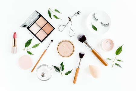 Professional makeup tools. Makeup tools brushes. Flat composition. magazines, social media. Top view. Flat lay. Imagens