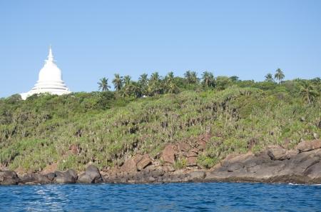 dagoba: Dagoba in Unawatuna, Sri Lanka