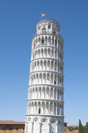 Leaning Tower of Pisa photo