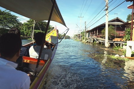 saduak: Damneon saduak floating market