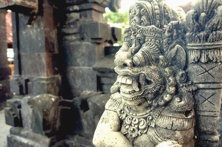 robo: Bali estola ansiaba Foto de archivo