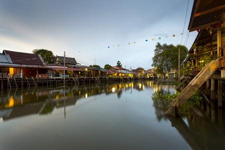 march� flottant: March� flottant Bang Noi