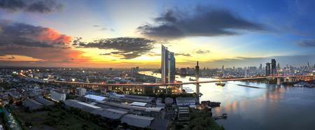 Bangkok office building riverside at sunset, before Night Falls, Panorama picture Foto de archivo