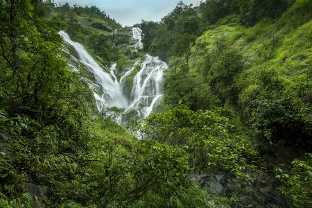 Heart Shaped Waterfall, Waterfall Ple To Lo Su in Umphang, Tak Province, Thailand Foto de archivo