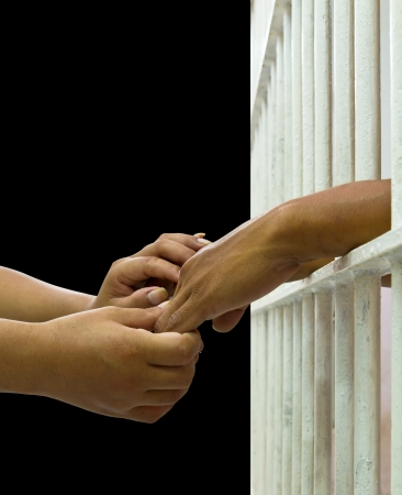 inmate: His wife convinces her husband trapped in a prison with a touch lightly on