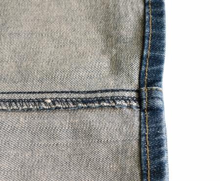 achterwaarts in een rand-jeans