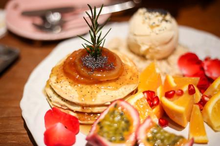 pancake with mix fruits