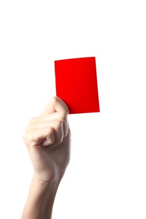 arbitri: Mano che tiene un cartellino rosso isolato su sfondo bianco  Archivio Fotografico