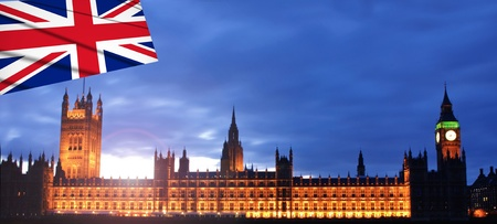 Sunset at the palace of westminster photo