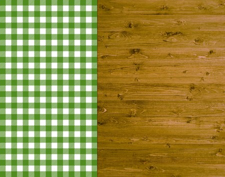 biergarten: Traditional background - wood with green and white tablecloth