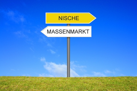 niche: Signpost outside is showing Niche or General Market in german language