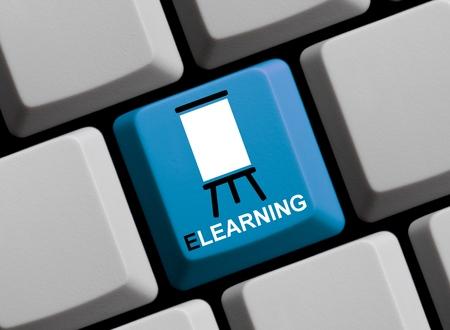 Blue Computer Keyboard showing e Learning Standard-Bild
