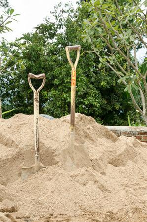 shovel photo