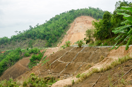 Natuurrampen aardverschuivingen tijdens het regenseizoen