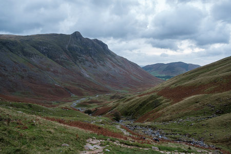 Looking back to Great Langdale Imagens