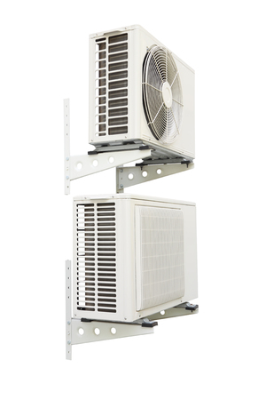 compresor: compresor de aire de doble sobre fondo blanco.