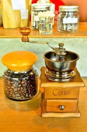 młynek do kawy: Stary mÅ'ynek do kawy Zdjęcie Seryjne