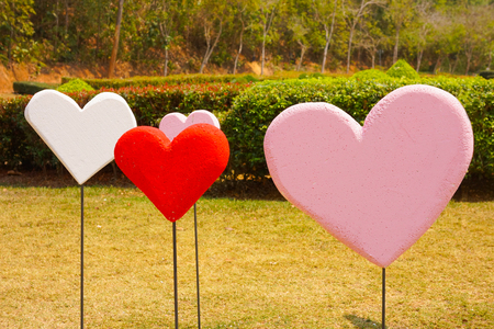 Valentines Day Wallpapers. Love Romantic Theme : Many Red shape in garden
