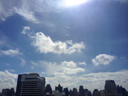 mediodía: Cielo al mediod�a