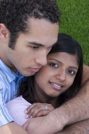couple amoureux: Couples Affectueux Banque d'images