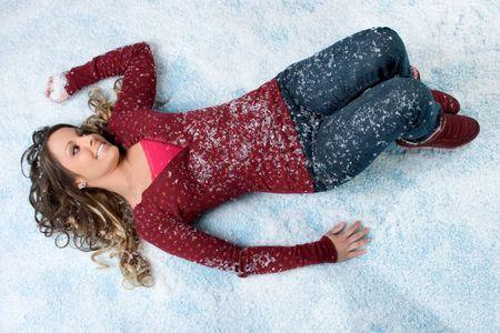 雪の中で少女