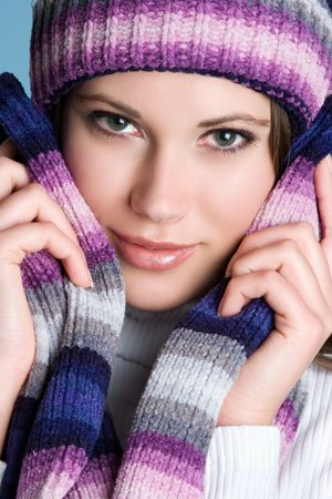 bufandas: Hermosa mujer de invierno