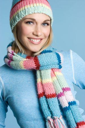 beanies: Sonriente ni�a de invierno LANG_EVOIMAGES