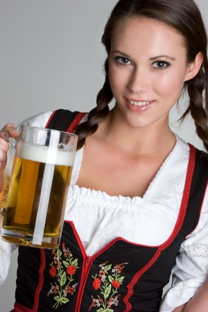 german girl: Woman With Beer LANG_EVOIMAGES