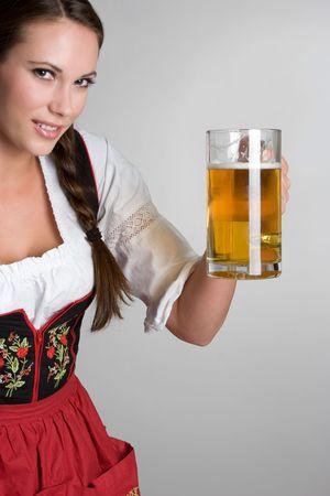 ビールの女性