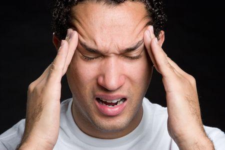 male headache: El hombre hizo hincapi� en