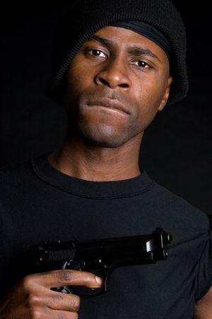 beanies: El hombre enojado Pistola LANG_EVOIMAGES