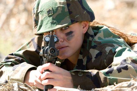 Military Woman With Gun 版權商用圖片
