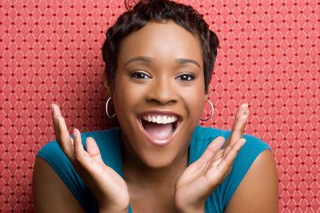 幸せな黒人女性