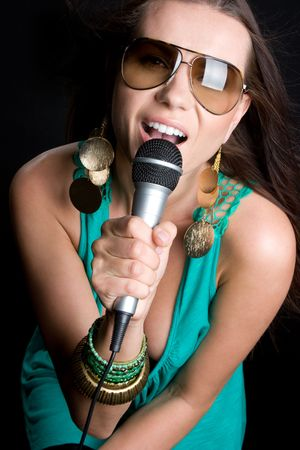 singing girl: Canto Girl
