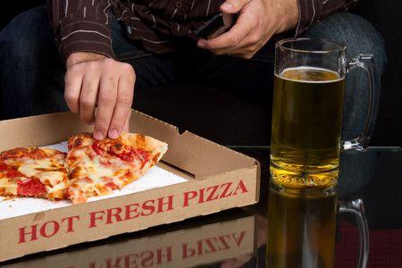 Pizza y cerveza Foto de archivo - 6334365