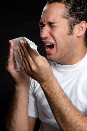 sneezing: Uomo con fredda