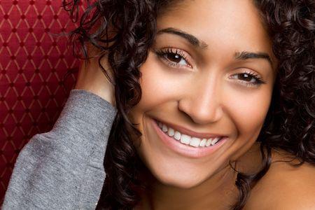 sonrisa: Feliz de la mujer negra
