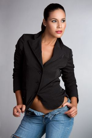 shirt unbuttoned: Sexy latina moda modello donna LANG_EVOIMAGES