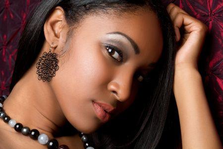 aretes: Portarretrato de hermosa mujer negra sexy
