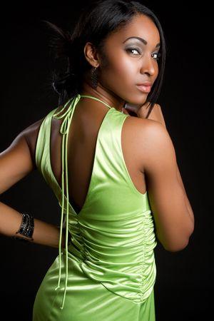 섹시한 녹색 드레스 흑인 여성 스톡 콘텐츠