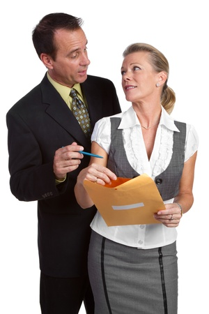 Zakenman en zakenvrouw houden map Stockfoto