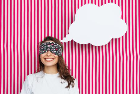 wellness sleepy: Woman in sleeping mask with speech bubble