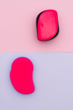 Bright sponges for makeup