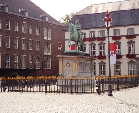elector: Market Place with Jan Wellem equestrian statue - On the market square in front of the City Hall in the Old Town of Dusseldorf is the baroque equestrian statue of Jan Wellem, ie Johann Wilhelm, Elector Palatine, Duke of Jlich Mountain. Germany, Dusseldorf  Editorial