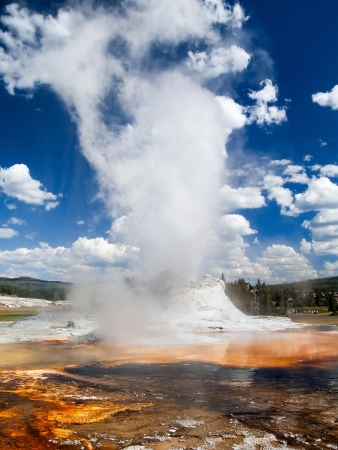 yellowstone: Castle Geyser entering the steam phase of its long eruption in the Upper Geyser Basin of Yellowstone National Park, Wyoming, USA Stock Photo