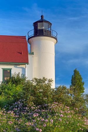 lake michigan lighthouse: El Faro de Betsie de la punta se encuentra sobre la costa de Michigan del lago Michigan y marca la entrada sur del Pasaje Manitou.