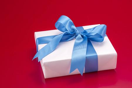 tortas de cumpleaños: Regalo Foto de archivo