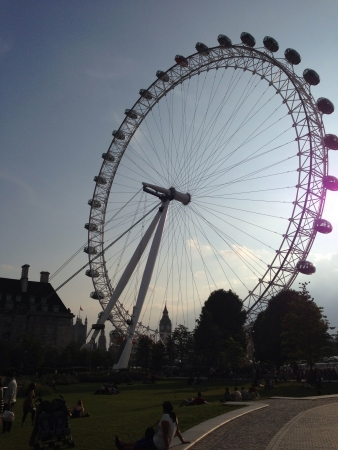 eye: London eye with Big Ben in the background