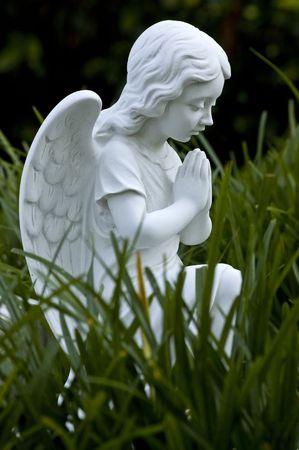 Statue eines Engels Standard-Bild - 3235255